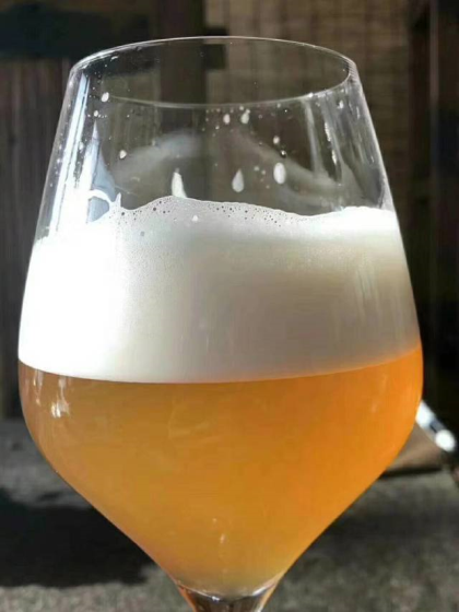 2升桶装精酿白啤原浆啤酒
